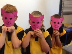 3 Little Pigs P-2 Class Activity